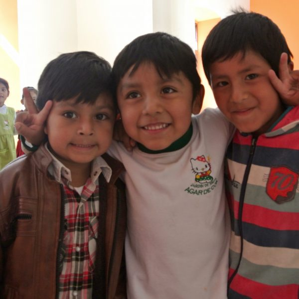 Det går ud over børnenes skolegang, at en stor del af Bolivias børn er fejl- eller underernærede. Nu får 7000 af dem et godt og nærende morgenmåltid at starte dagen på. Foto: Mette Mølgaard Henriksen