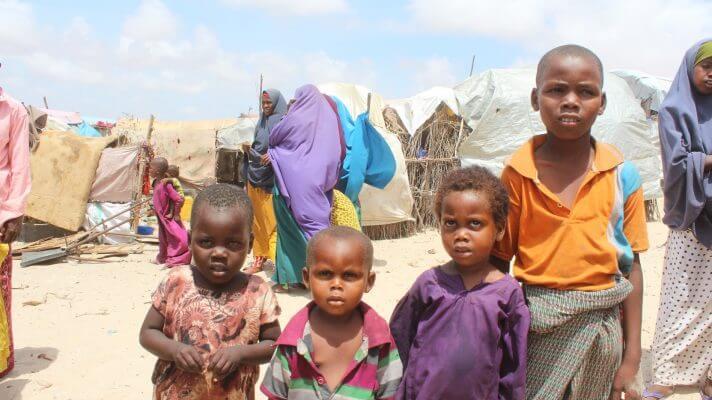 Børn i lejr for internt fordrevne i Kismayo, Somalia. Fotograf: Mohamed Hassan.