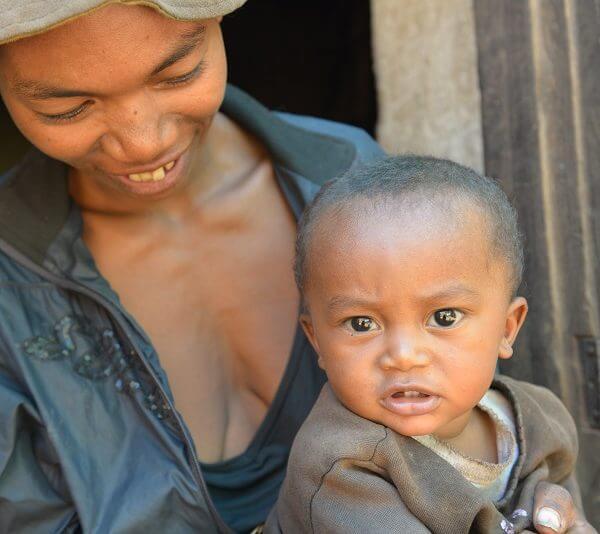 Hvert andet barn i Madagaskar er underudviklet som følge af fejl- og underernæring. Med pengene fra Danmarks Indsamling er UNICEF i gang med at hjælpe underernærede børn som Toky i den hårdt ramte Vakinankaratra region.